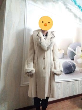 Пальто зимесезонное