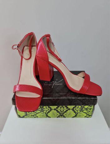 Sandale / pantofi cu toc
