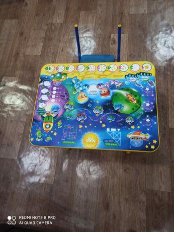 Столик детский письменный