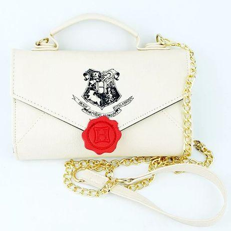 Чанта-портмоне писмо от Хогуортс