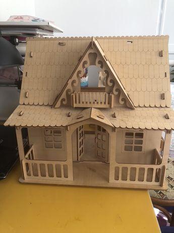 Деревянный домик игрушечный для детей