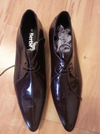 Pantofi de piele de culoare violet. Marca BERTIE. Fabricati in Italia