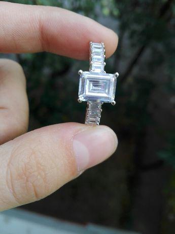 Inel damă mărimea/size 8 (nu e argint, nu e aur)