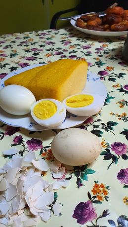 Vand ouă de rață,găină 0,8-1,5 lei-Cocoși și găini vii sau sacrificate
