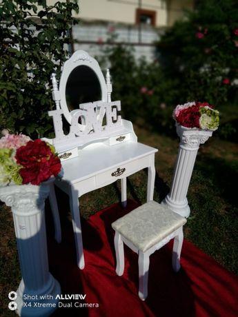Cort nunta botez masuta invelit arcada băncuță panou floral