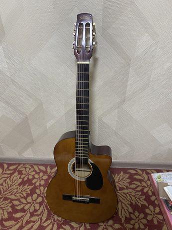 Продам гитару Starsun