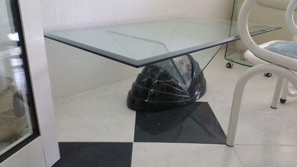 Стъклена маса