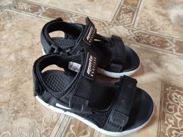 Продам сандали 29 размера