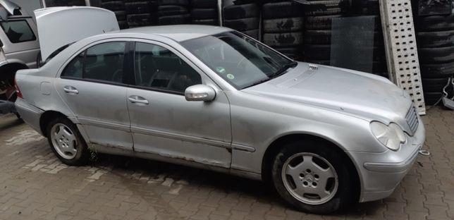 Dezmembrez Mercedes W203 C200, an 2001, 2.0 benzina