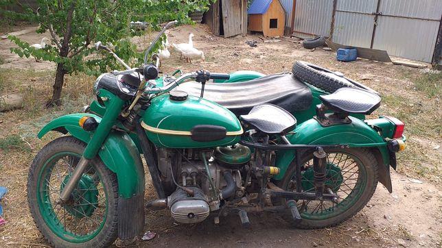Продам мотоцикл Урал в отличном состоянии комплектный в оригинале