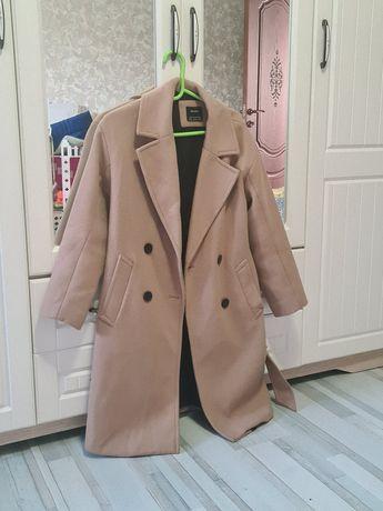 Пальто Bershka XS