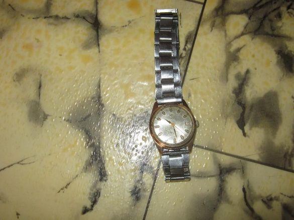 Продавам Часовник жовиал