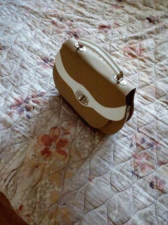 Дамска чанта. Нова