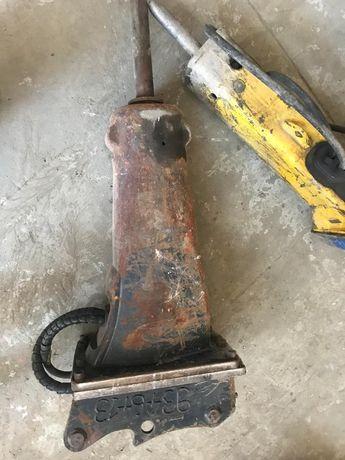 Picon excavator CAT H65 de 390kg și 1100jouli