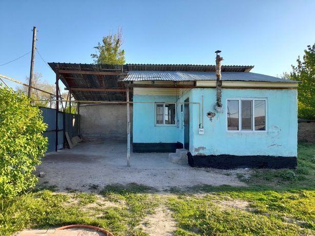 Домик с коммуникациями недорого в ближайшем пригороде Алматы