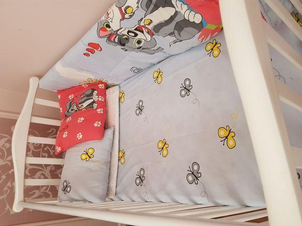Кровать из массива сосны и бука