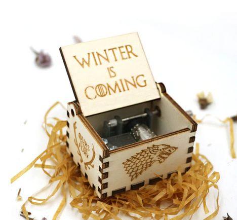 Дървена музикална кутия с музика от Game of Thrones