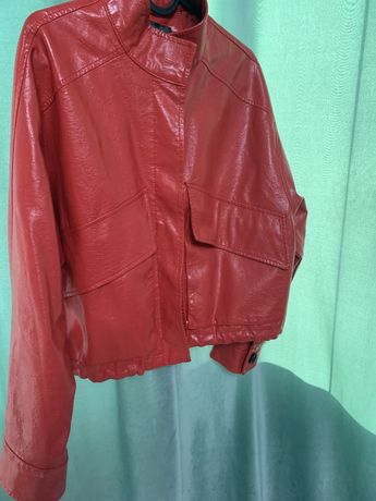 Кожаная куртка (экокожа)