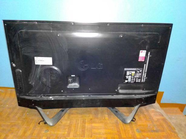 Продам телевизор LG заднюю часть на запчасти  модель 47la690v-zb