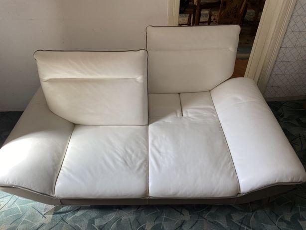 Canapea din piele