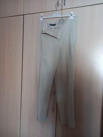 Классические брюки от Zara