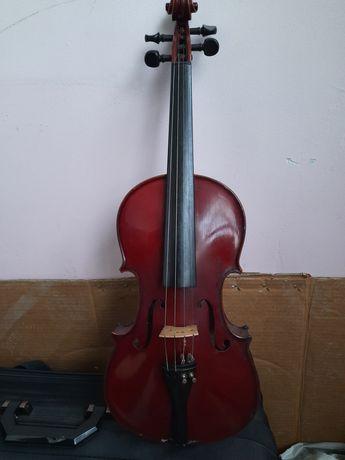 Продавам цигулка Кремона