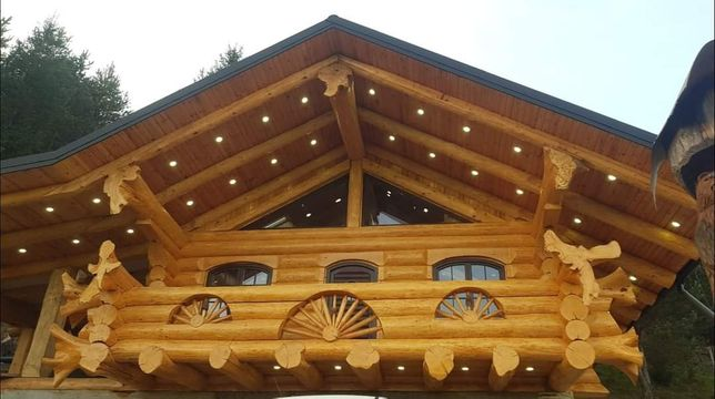 Case,cabane din lemn rotund bustean