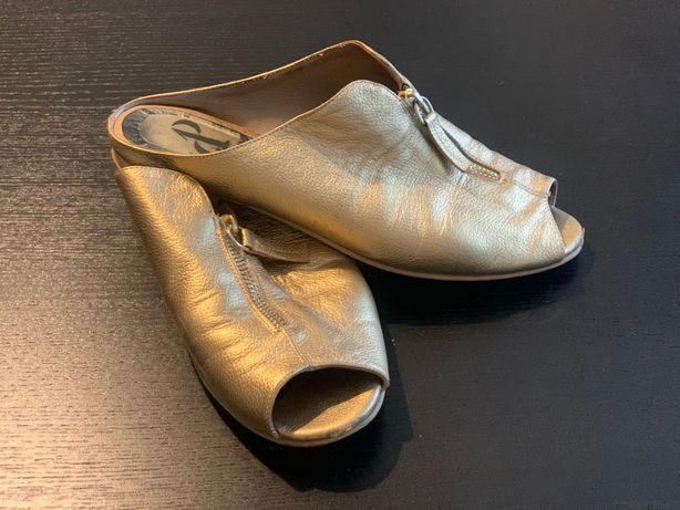Papuci, piele, auriu, Ana Pârvan