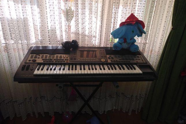 Orga ,Sintetizator ,Pian Yamaha PSR9000