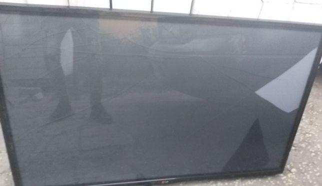 Плазма ТВ 127 см,марка LG 2014 год,рабочий,треснул экран,можно на зап/