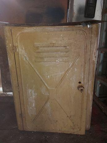 Ящик для инструментов в гараж