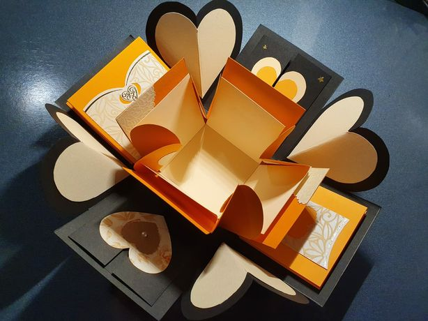 Explosion box/cutia cu amintiri