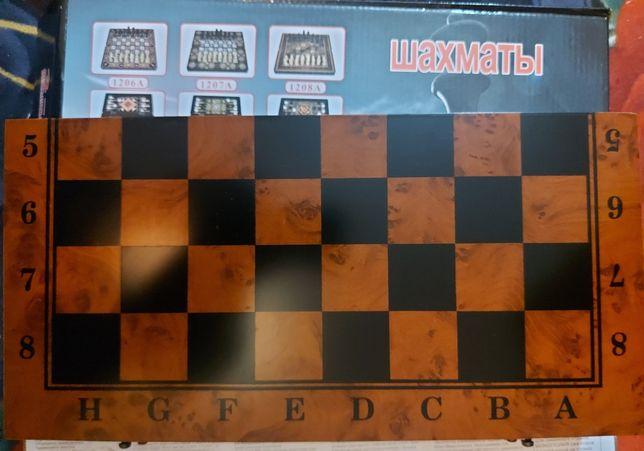 Шахмат нарды шашки 3в1 . Новый в коробке . Настольная игра нарды