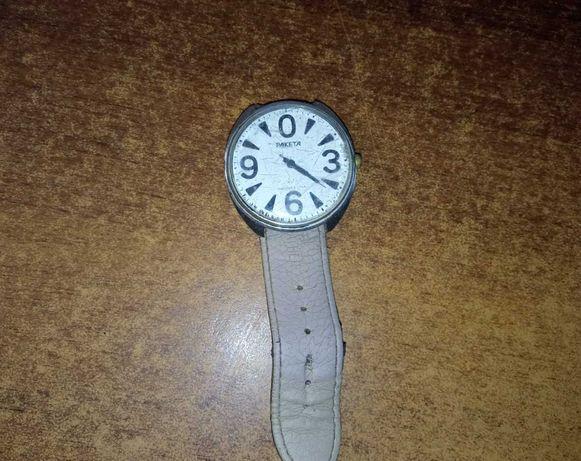 Часы ракета продам