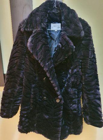 Продавам ново зимно палто от 100% акрил