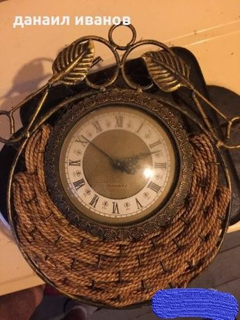 ретро часовник плосък