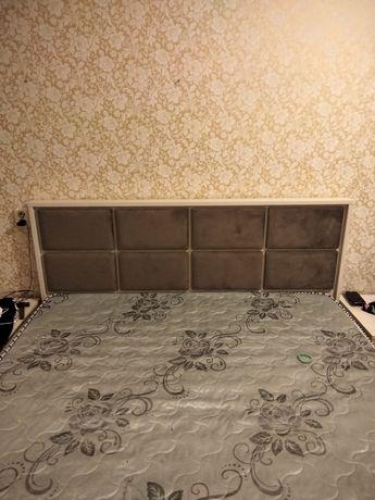 Продам кровать комод тумбы