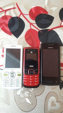 Телефоны 3 штуки