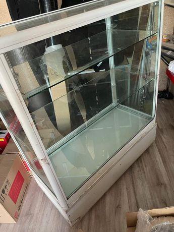 Продается витрина