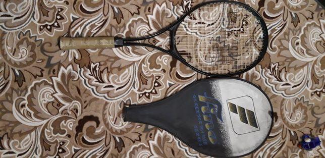 Продам фирменную оригинальную тенисную ракетку
