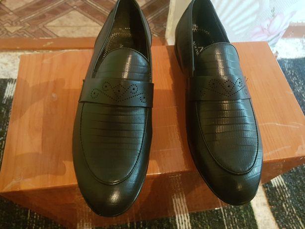 Новый мужской туфли 39 размер