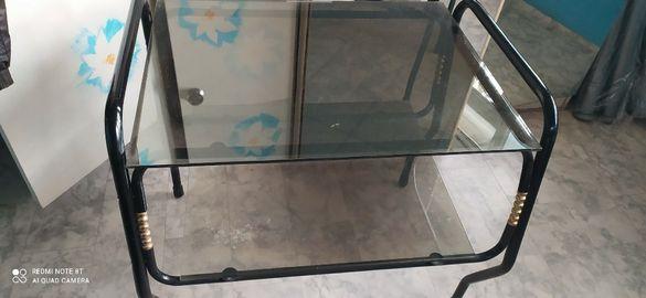 Стъклена масичка