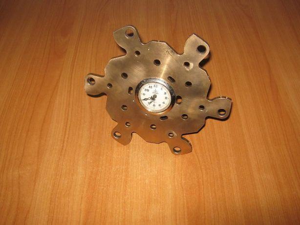 Ceas mecanic vechi functional Aradora 1970 hand made, alama