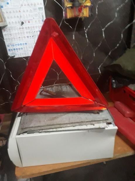 Triunghi reflectorizant