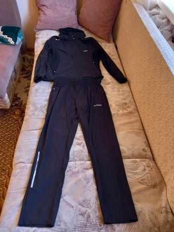 Продам спортивный костюм от фирмы Terrex