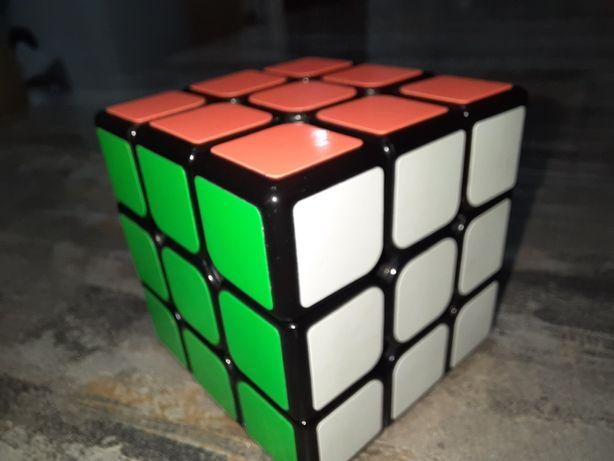 Продаю Кубики рубики набором