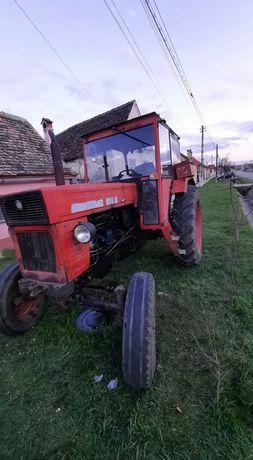 Vând tractor u 650 , an 2001