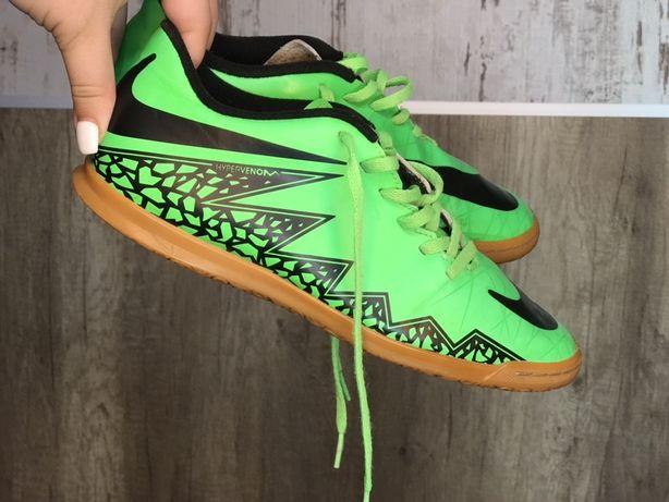 Ghete fotbal Nike 40(25cm)