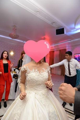 Продам свадебное платье Размер 42-44