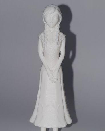 Machete și figurine pentru copii si adulti